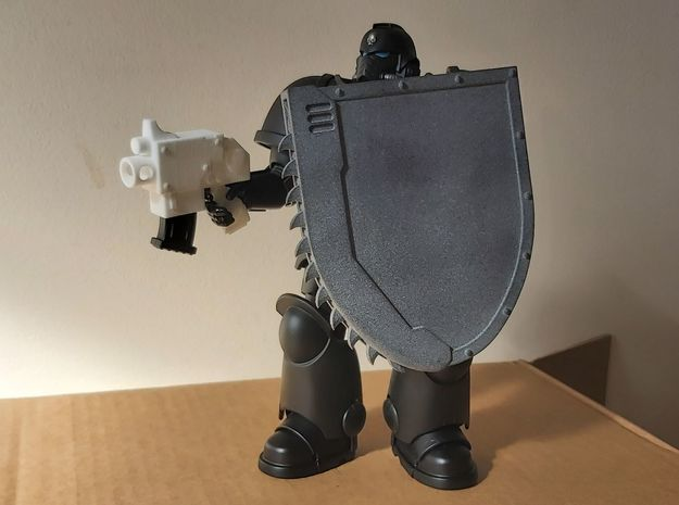 Action Figure Chainshield - Right handed in White Natural Versatile Plastic