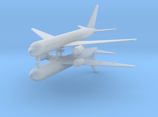 1/700 Boeing 767-200 Commercial Airliner (x2)