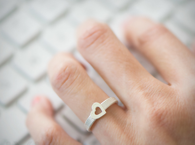 Simple Love Heart Ring - Size 5 in Raw Silver