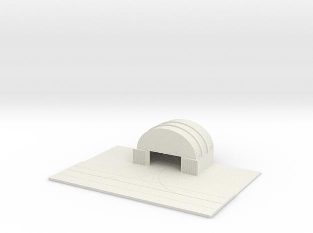 1/700 Medium Hanger With Tarmac in White Natural Versatile Plastic