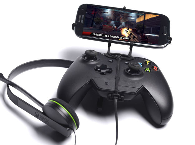 Xbox One controller & chat & Huawei Ascend D1 XL U 3d printed Front View - A Samsung Galaxy S3 and a black Xbox One controller & chat