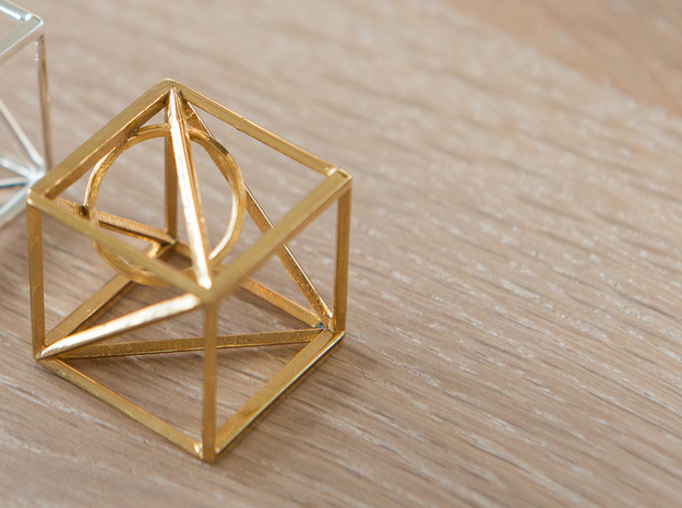 iliCube Pendant 3d printed Material: Gold Plated Brass