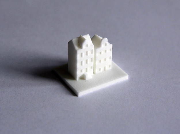 House 7 in White Strong & Flexible