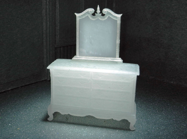 1:48 Dresser with Mirror in Smooth Fine Detail Plastic