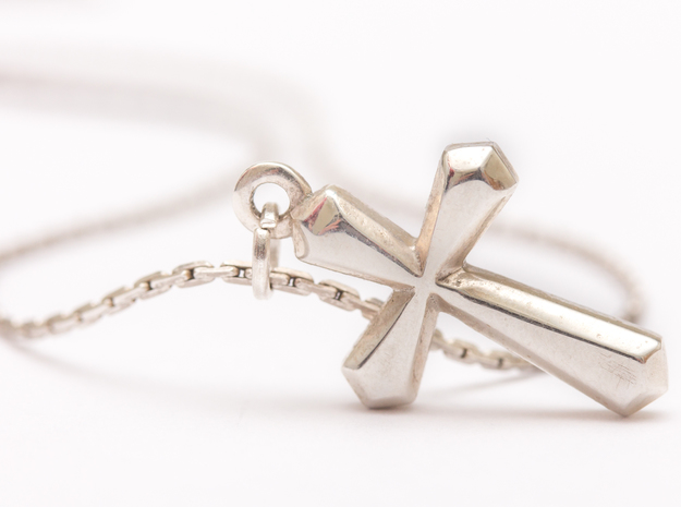 Simple Cross Pendant in Polished Silver