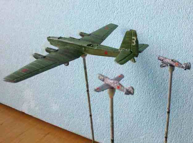 1/300 Latvian VEF Irbitis I16 Fighter 3d printed David against Goliath: I-16 versus a TB3 bomber