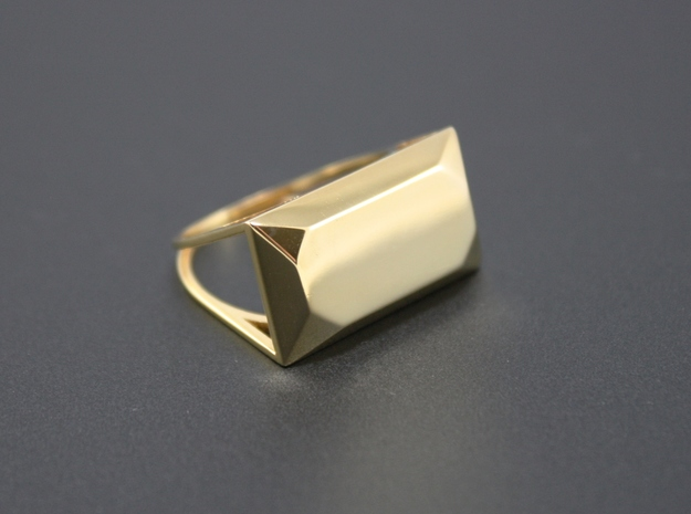 Emerald Top Ring - US Size 06 in 18k Gold Plated: 6 / 51.5