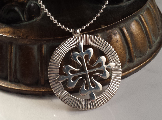 Stunning French Cross in Premium Silver