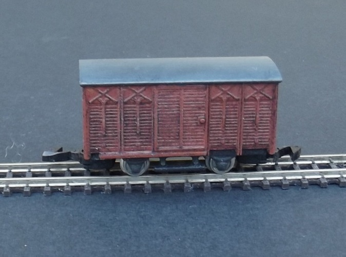 Complete model with WSF chassis + wheels and coupler