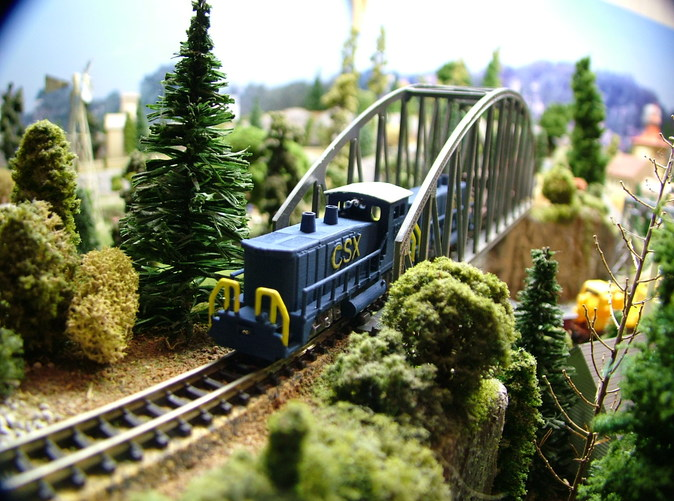 z scale Model Photo painted with CSX