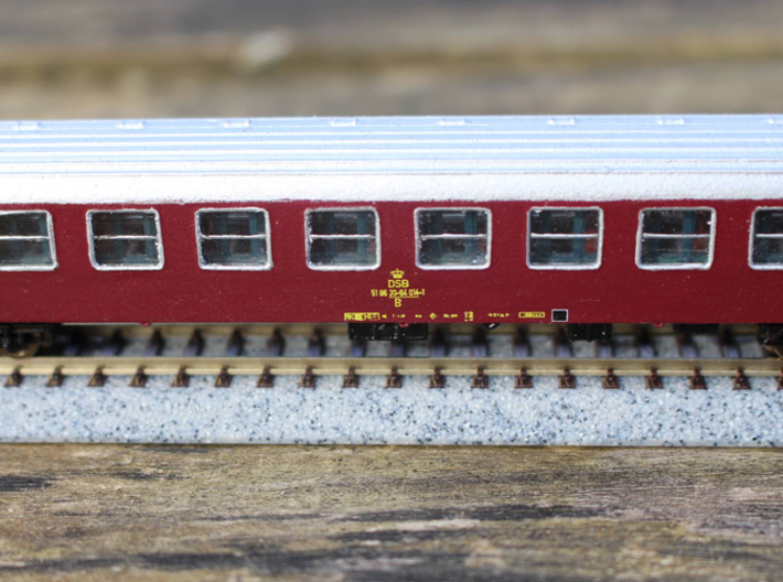 DSB class B coach N scale 3d printed Decals can be obtained through Skilteskoven.dk