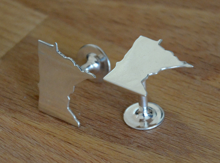 Florida State Cufflinks 3d printed Different state but shows quality and scale. Premium Silver shown.