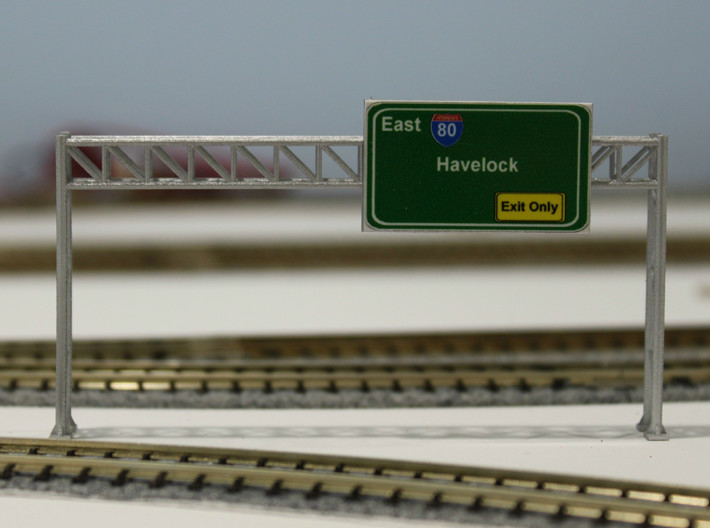 N Scale Highway Sign Gantry 96mm 3d printed Painted 84mm gantry with sign. Thanks for the picture Dave!