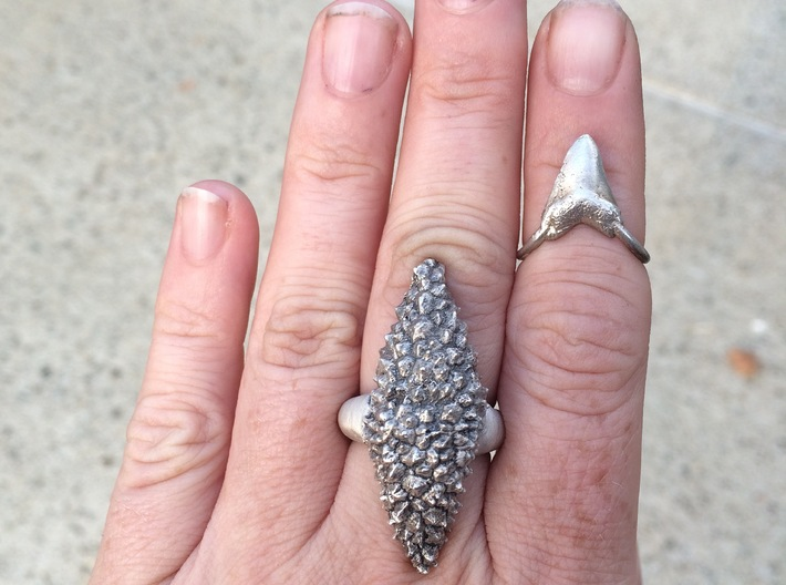 Shark Tooth Pinky Ring 3d printed