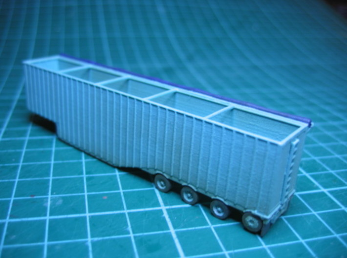 N scale 1/160 Woodchip trailer 53ft possum-belly 3d printed All the wheels rotate, making them easier to paint in this scale.