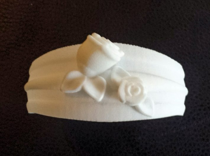 Bracelet with roses 3d printed