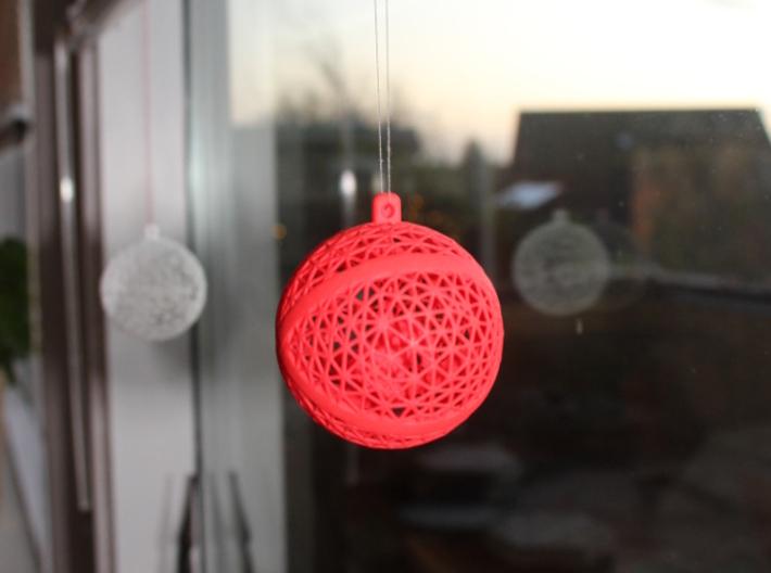 Christmas ball with dangling Chrismas hat 3d printed