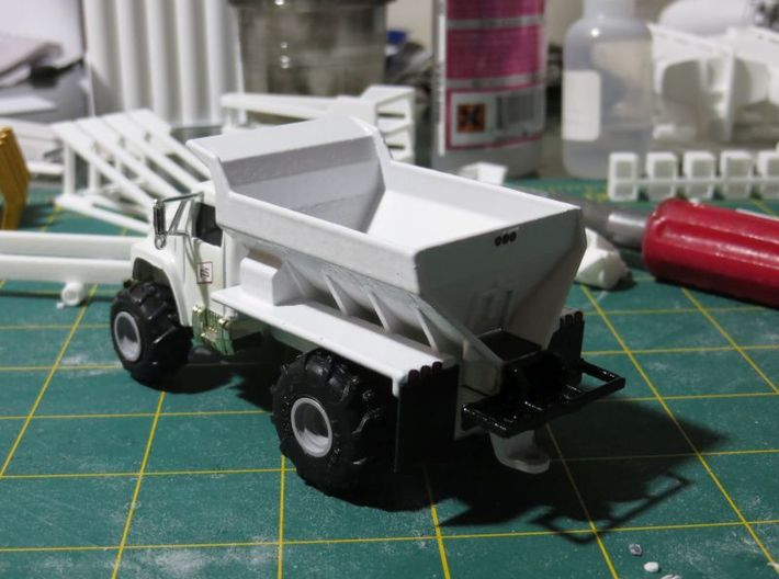 Fertilizer Spreader Box for Ertl Floater Trucks 3d printed