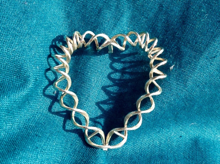 DNA Heart 3d printed Final result in polished silver