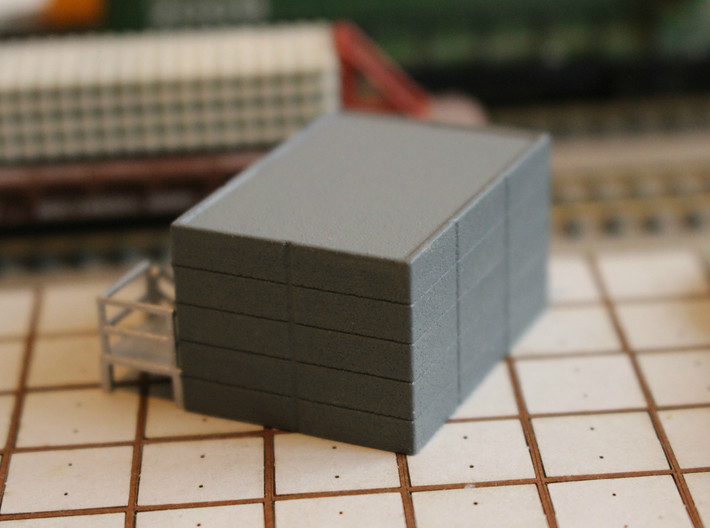 N Scale Tech Shack 3d printed Rear of the shack with prefab concrete panel look