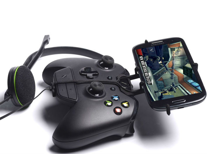 Xbox One controller & chat & Plum Sync 4.0b - Fron 3d printed Side View - A Samsung Galaxy S3 and a black Xbox One controller & chat
