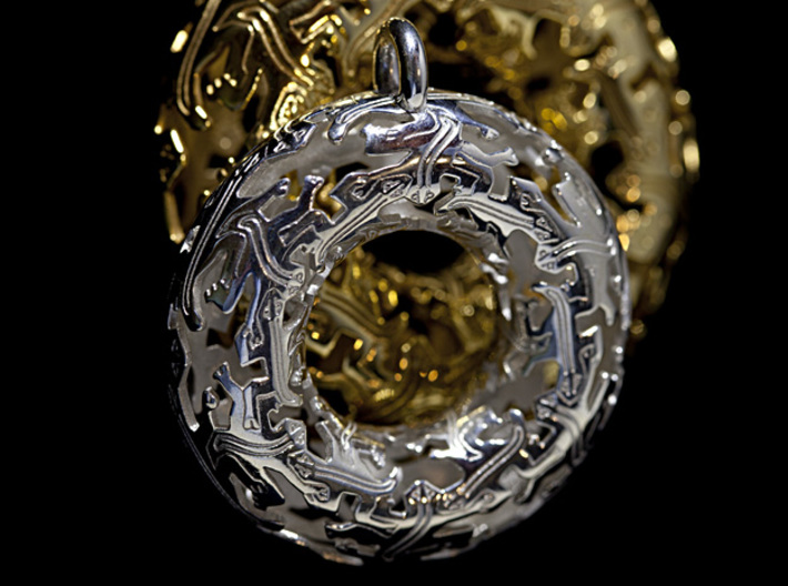 Reptiles Pendant - 2 Inch version. 3d printed 2 inch Silver with 2.5 Inch 18 kt gold plated (sold separately).