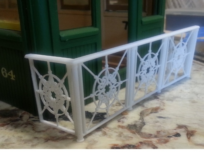 Front Railing for 1:20 scale coach 3d printed Right out of the bag.