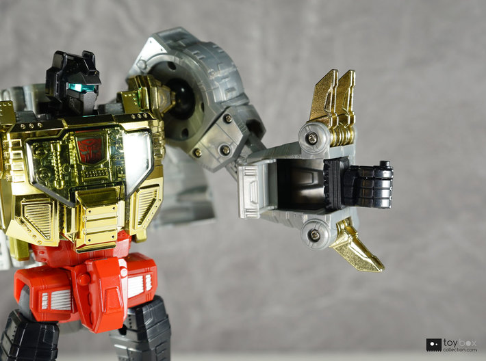 Transformers Masterpiece MP-08 Grimlock thumb x2 3d printed Folds in perfectly