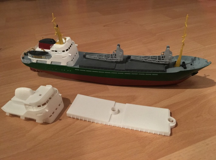 Coaster 840, Superstructure & Hatches (1:200, RC) 3d printed parts of this set and completed model