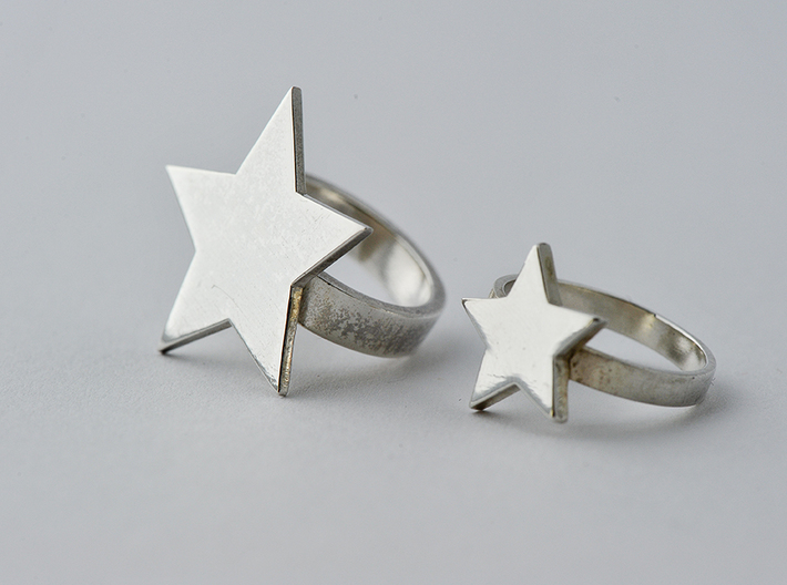 Silver Star Ring Size S 3d printed Ring on Left of image