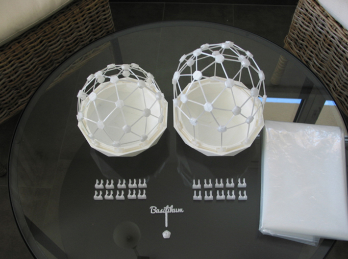 MGD-11 (45x): A Set with 45 B-Connectors 3d printed Flexible Mini Greenhouse-Dome with Pot (Sets short and long). Own 3D-prints with white/transparent PLA.