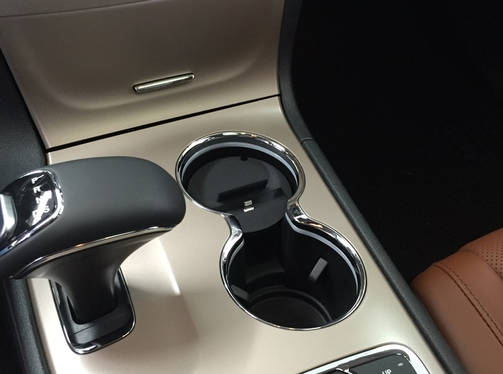 Car phone cup holder mount for Mercedes  E/C, T  3d printed Mercedes iPhone 6,7,10,x and plus car mount holder