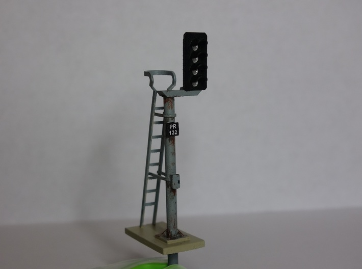 Pair of OO scale 4 Aspect Signals With Offset Pole 3d printed