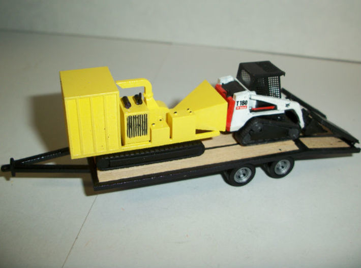 HO 1/87 residential tracked chipper 3d printed Shows scale to my 22 foot tag trailer and the GHQ Bobcat model.