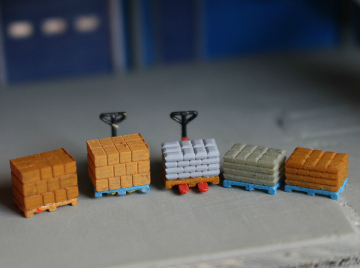 N Scale Pallets Freight Boxes Bags (38pc) 3d printed Painted pallets with boxes and bags in Frosted Ultra Detail, pallet jacks sold separately