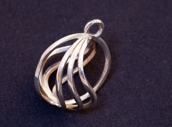 Spherical Loop Pendant 3d printed Printed in Polished Silver