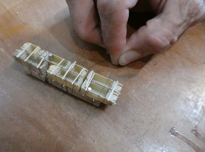 2x4 2x8 And 4x4 Lumber Load, N Scale, Flat Car 3d printed Pull the knot to tighten the thread
