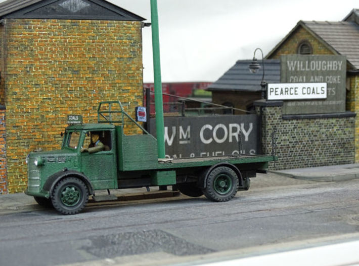 1:43 Bedford Coal Lorry Body 3d printed Body fitted to Bedford OL cab and chassis. Model built and detailed by Julian Carr.