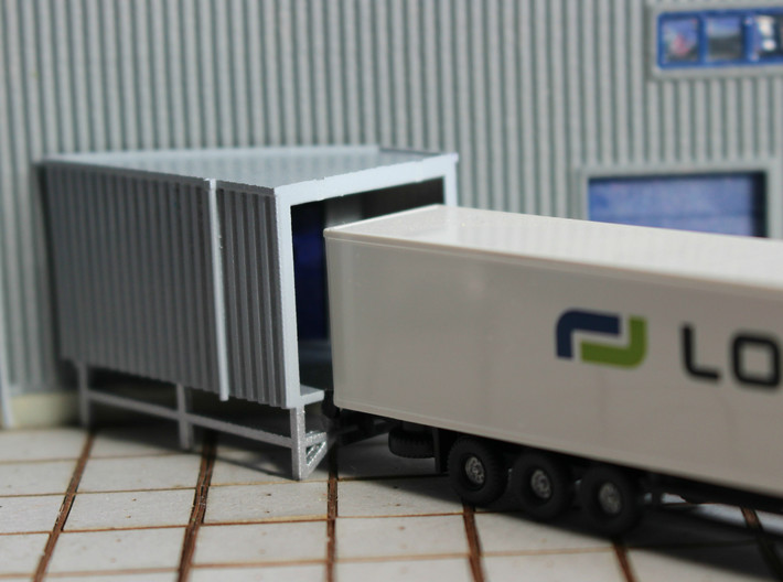 N Angular Dockshelter Left incl. Wall 3d printed Painted model with truck