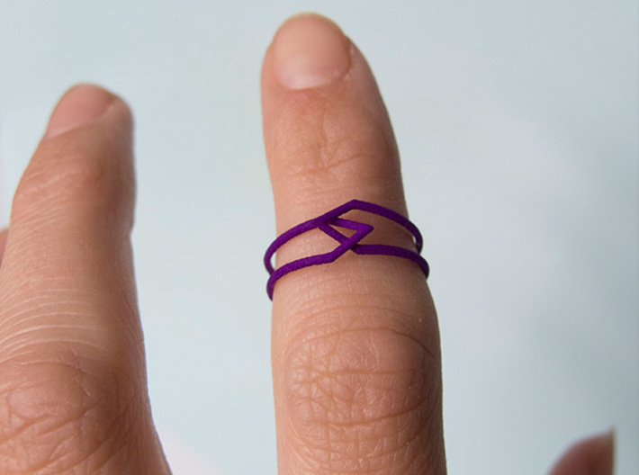 Interlocking Triangles Ring 3d printed Knuckle ring