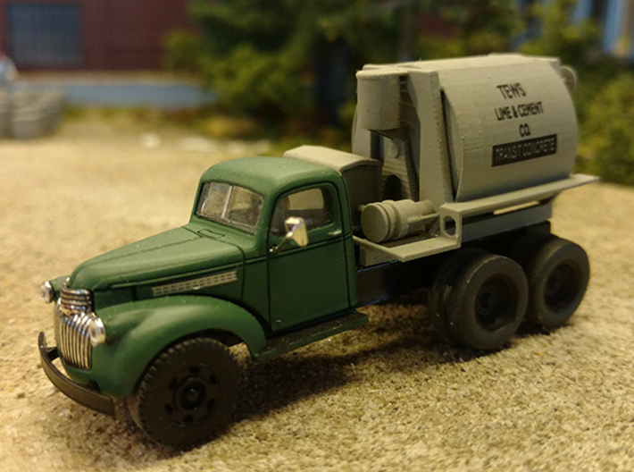 HO scale Horizontal Drum Transit Mixer 3d printed Model as it appears on the modified Classic Metal Works truck