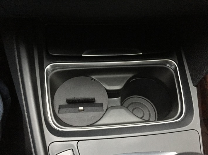 iPhone Snap in Adapter for BMW 1 and 2 series 3d printed iPhone car mount for BMW