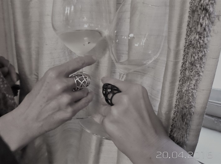 Ovo Ring 53-61 3d printed Silver & blackstrongflex. cheers!