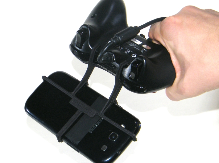 Xbox 360 controller & Maxwest Gravity 5 LTE - Fron 3d printed In hand - A Samsung Galaxy S3 and a black Xbox 360 controller