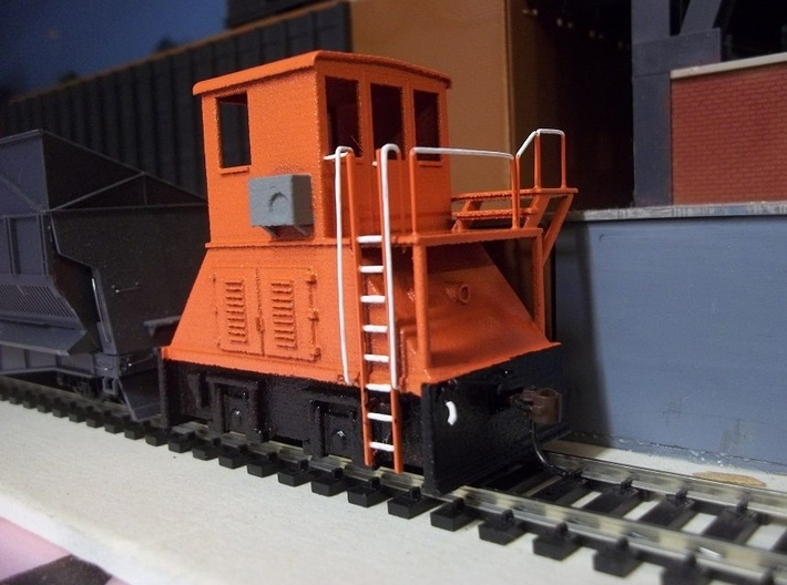 H0-scale Coker (LEFT-hand version) 3d printed Prototype print. On the production model the high platform has been lowered to fit the Walthers coke ovens better. Detailing, paint and photo by Donald Dunn.