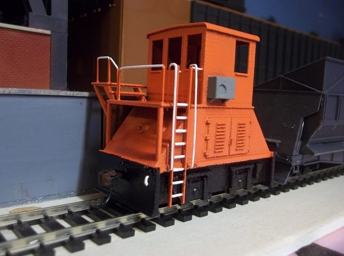H0-scale Coker (RIGHT-hand version) 3d printed Prototype print. On the production model the high platform has been lowered to fit the Walthers coke ovens better. Detailing, paint and photo by Donald Dunn.