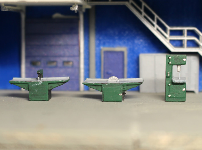 N Scale Woodshop Equipment 3d printed Painted machines inside the shop.