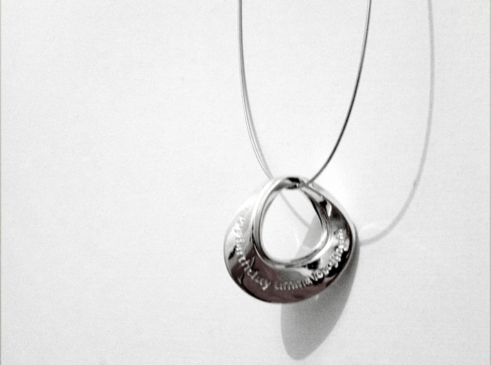 Moebius Pendant I 3d printed Mobius Pendant I in Premium Silver