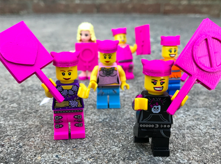 Minifig Pussyhat 3d printed Printed on home 3D printer.