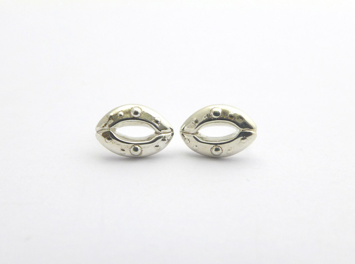 Stomata Earrings 3d printed Stomata earrings in polished silver